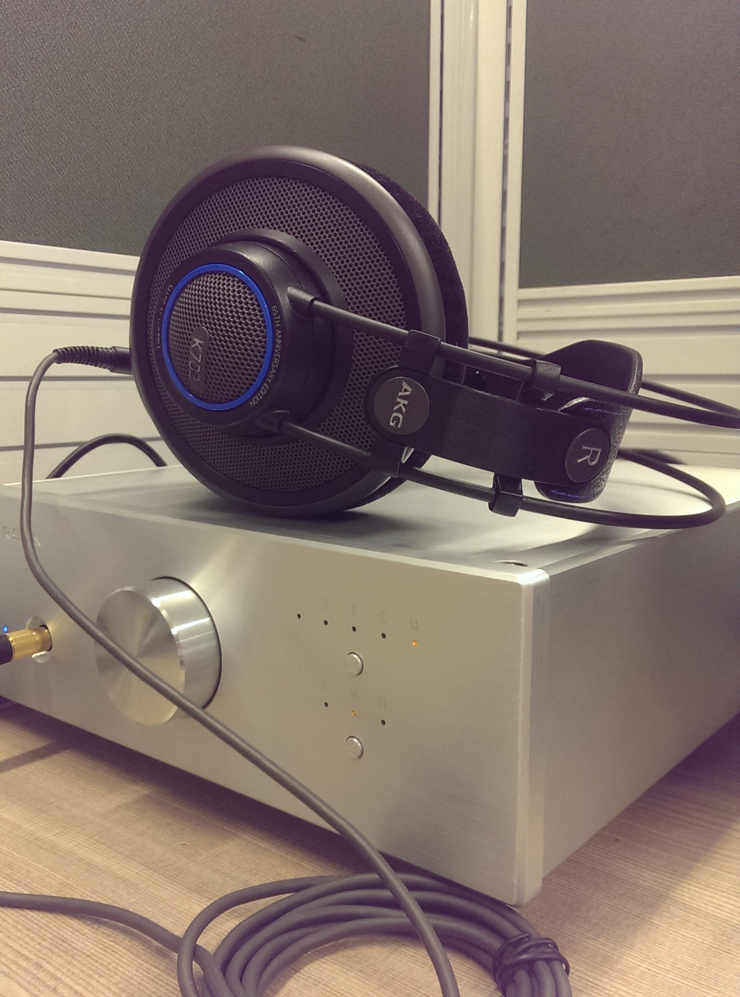 AKG K702 headphone amp/dac