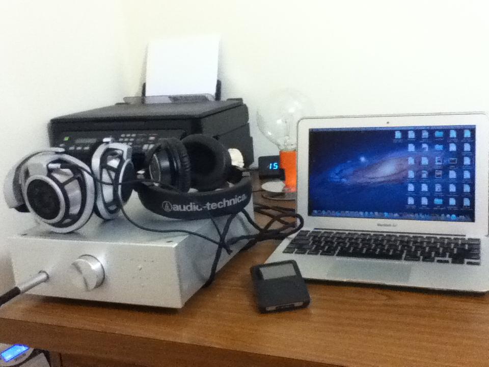 Sennheiser HD800 Audio Technica headphone amplifier